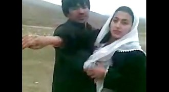 desi couples Exchange dr beautiful wifes outdoor car